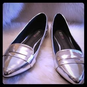 JustFab silver loafers, size 8